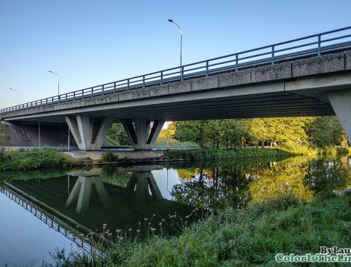 Reflectie in het kanaal